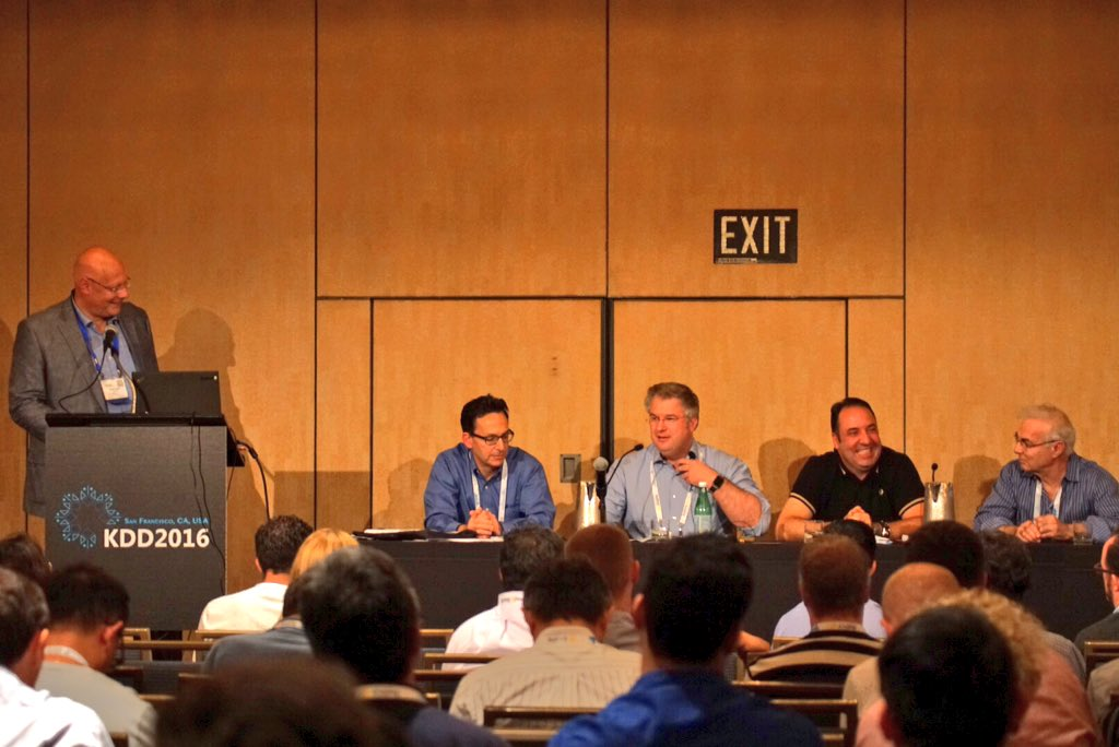 2016 08 15 Applied Data Science Panel BigData Tools The Myths and the Reality, photo by @dirkvandenpoel